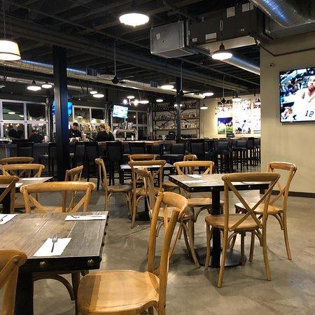 FieldHouse Restaurant & Bar