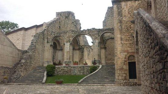 Sant'Angelo dei Lombardi, อิตาลี: Chiesa che fu edificata dal grande architetto Vaccaro