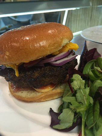 Stone Oven Bistro: homemade burger