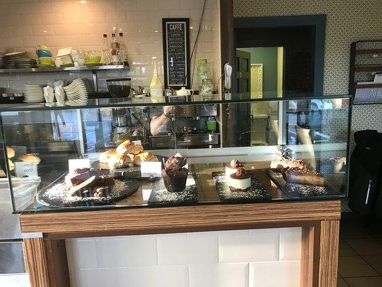 Stone Oven Bistro: cakes