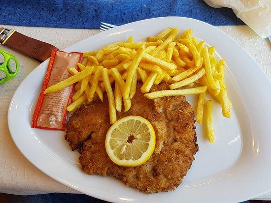 Drachselsried, ألمانيا: Habe noch nie ein so zartes Schnitzel gegessen!! Köstlich!!