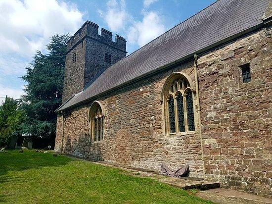 Llangybi, UK: St Cybi's Well