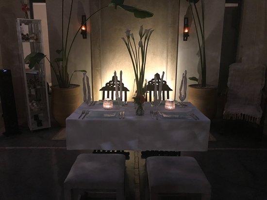 Riad Dar More : Tavola apparecchiata per la nostra cena al Riad