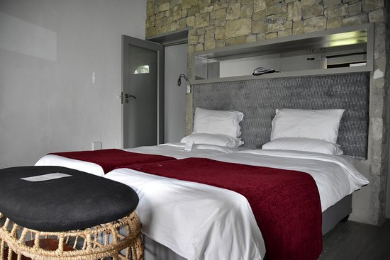 Mokuti Etosha Lodge: The big double bed