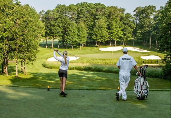 Brainerd, MN : Golf the Classic at Madden's with a Professional Caddie