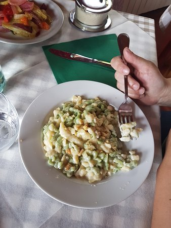 Fusine in Valromana, إيطاليا: ottimo cibo