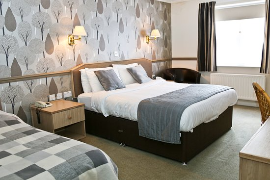 Millfields Hotel: Family Room - King and Single