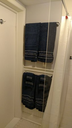 Kingston, NY: Lots of Towels