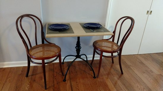 Kingston, NY: Bistro Dining Table and Chairs