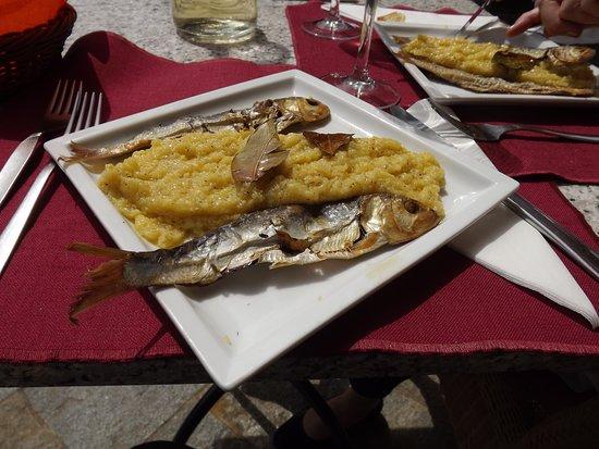 Mezzegra, Ιταλία: polenta e missoltini