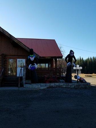 Lone Butte, Canadá: Iron Horse Pub