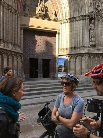 Barcelona Electric Bike Small Group Tour with Tapas and Wine Tasting: Here's Agata sharing her insights about the Basilica de Santa Maria del Mar with our group.