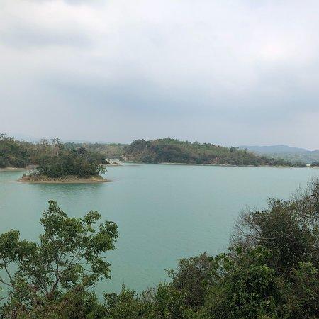 Wusanto Reservoir: photo4.jpg