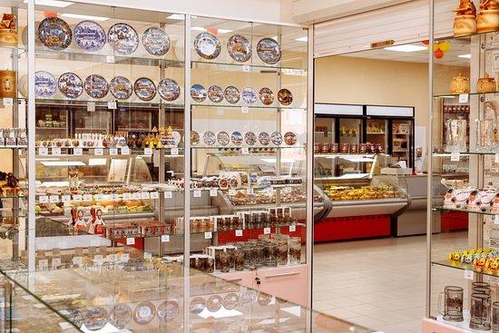 Cheese Museum: Есть большая сувенирная лавка