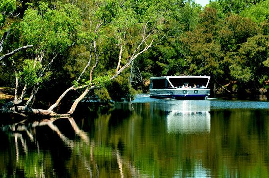 Perth River Cruise and Vineyard...