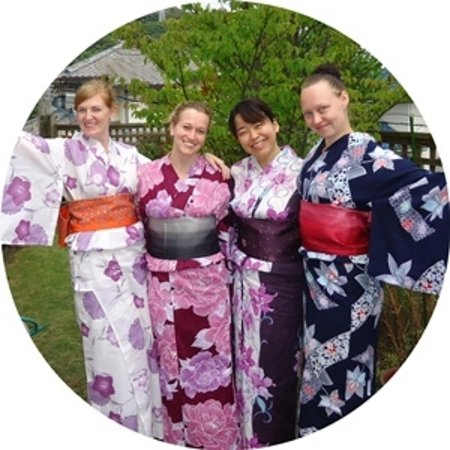 Japan Foods'n Booze: Experience Japanese tradition with summer kimono!