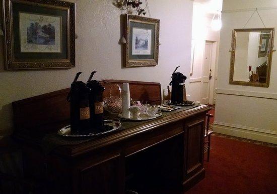 Bishop Victorian Hotel 사진