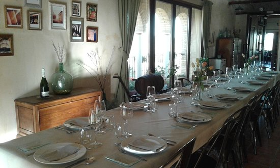 Comedor grande para grupos: fotografía de Bodegas Alodia, Adahuesca ...