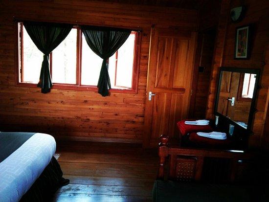 Lake Elementaita, Kenya: More photos of cabin and grounds