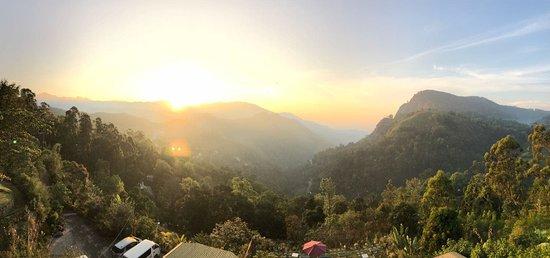 Piliyandala, Srí Lanka: Sunrise in Ella town