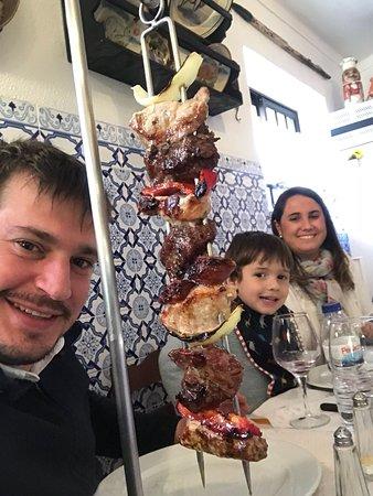 Restaurante O Lavrador: Pincho variado de pollo y ternera