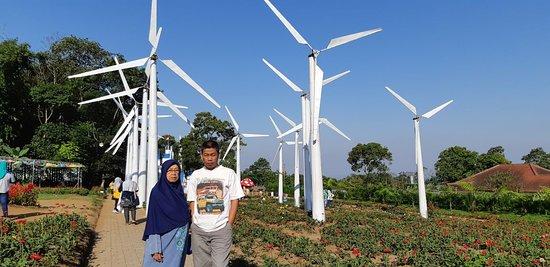 Bandungan, Индонезия: kincir angin