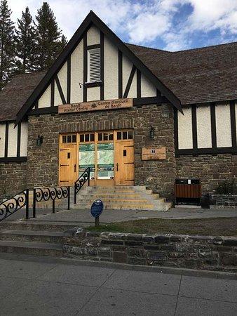 Banff Visitor Centre: info centre