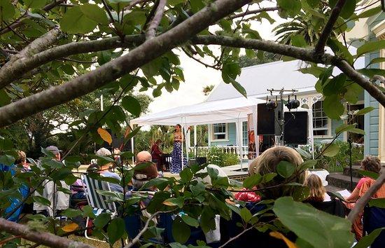 Waiwera, Nueva Zelanda: Summer Magic 2017 Concert in the Garden