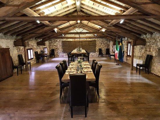 San Pietro in Cariano, Italy: Sala Appassimento