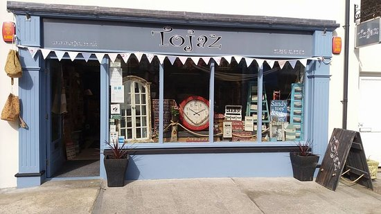 Saundersfoot, UK : You will find us down The Strand, next door the the Chemist.