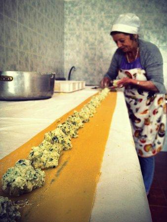 Londa, إيطاليا: Giovanna la maga della pasta