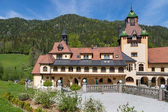 Sankt Gallen, Østrig: Blick auf den Haupttrakt des Hotels.
