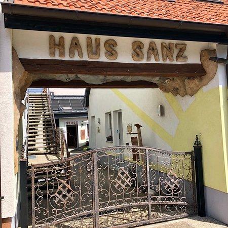 Pension Hotel Sanz Wien