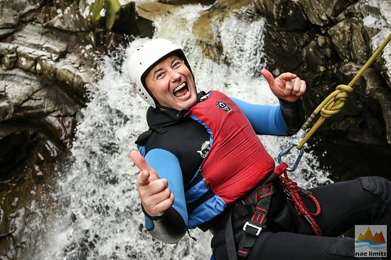 Pitlochry, UK: Big Buzz Canyoning in Falls of Bruar