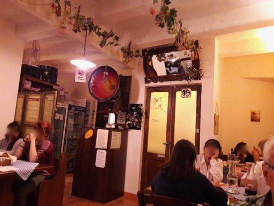 Castell'Azzara, Italien: scorcio della sala