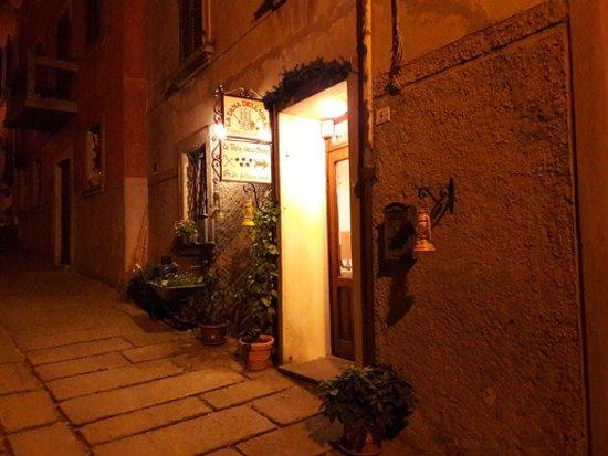Castell'Azzara, Italien: entrata