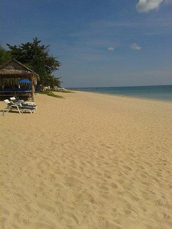 Lanta Nice Beach Resort Photo