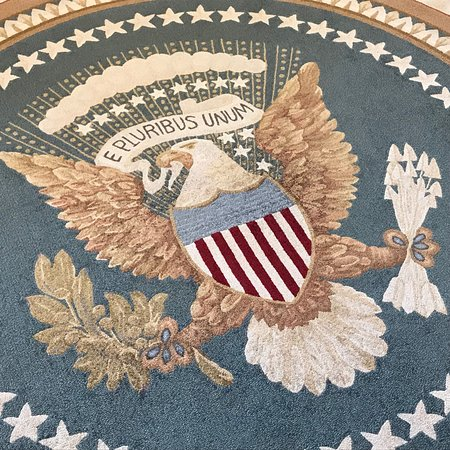 oval office carpet. The George W. Bush Presidential Library And Museum: Seal In Oval Office Carpet