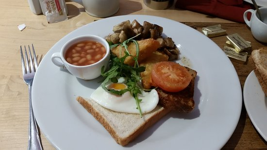 The Coach House Hotel: My veggie breakfast, cooked to order. Delicious.