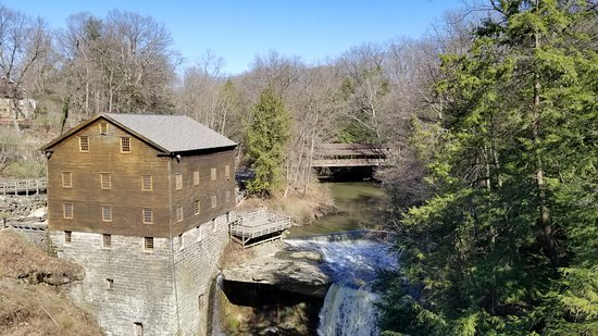 Lanternman 39 s mill from canfield rd bridge picture of lanterman 39 s mill youngstown tripadvisor for Parks garden center canfield ohio