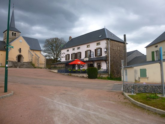 Alligny en Morvan, France : Restaurant