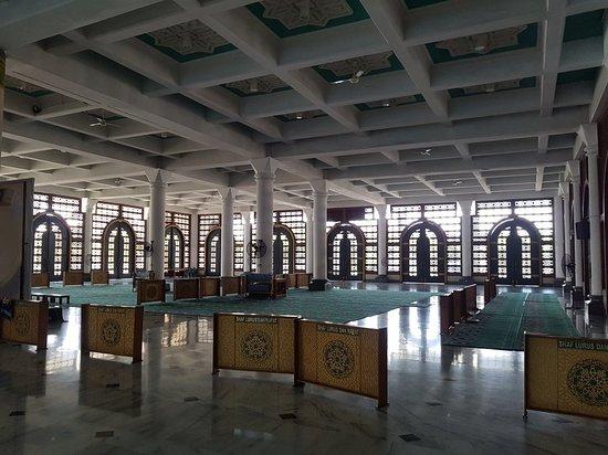 Masjid Nasional Al Akbar: 20180429_094500_large.jpg