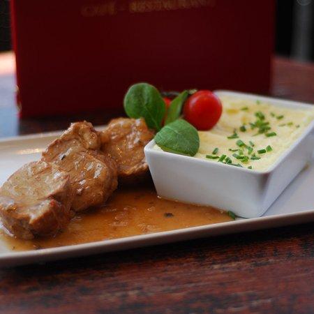 Filet mignon de porc aux herbes de Provence et sa purée de pommes de terre