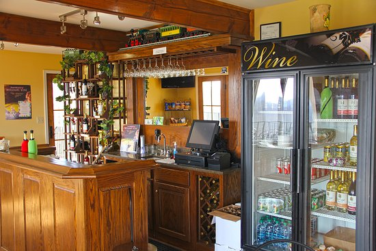 Marthasville, MO: Award-winning wines available for tasting