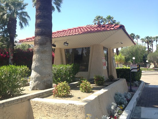 North Palm Springs, CA: Guard house entry