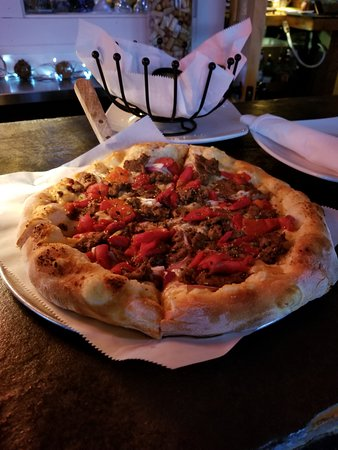 Canoe Club Wine Bar: PHILLY STEAK pizza