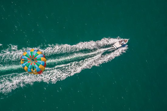 Dana Point, CA: parasail