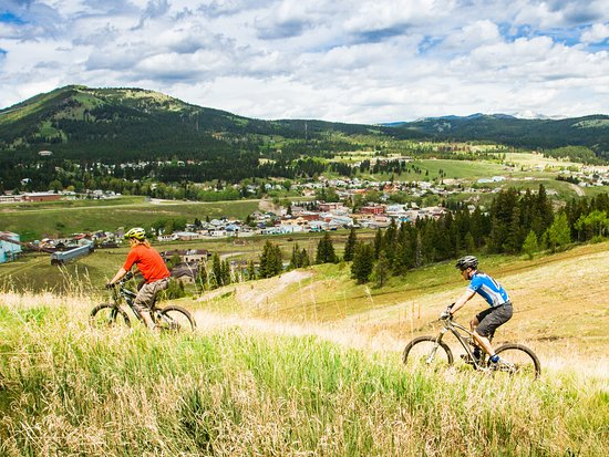 Blairmore, Canada: Mountain bike trails for all levels of rider...including first timers!
