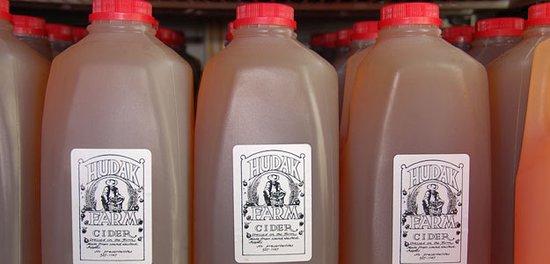 Swanton, VT: Hudak Farm fresh pressed cider
