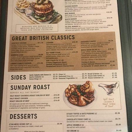 Ottimo pub tipicamente inglese , atmosfera assolutamente coinvolgente , tipico menu , prezzi one